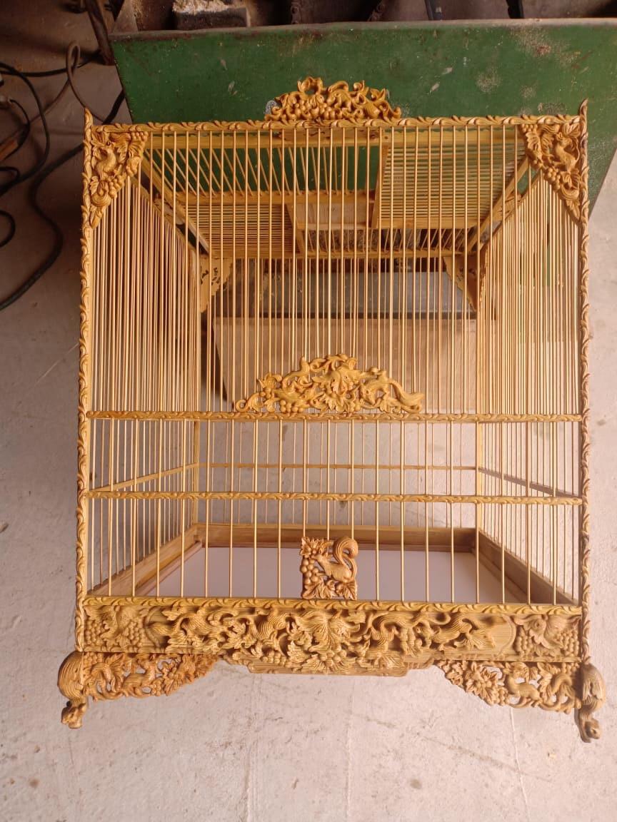 Lồng chim vuông Huế chạm sóc nho VH-3000